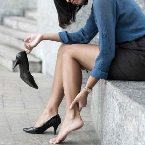 Ostéopathe-Paris-ostéo-charenton-enlever-ses-chaussures-quand-on-a-mal